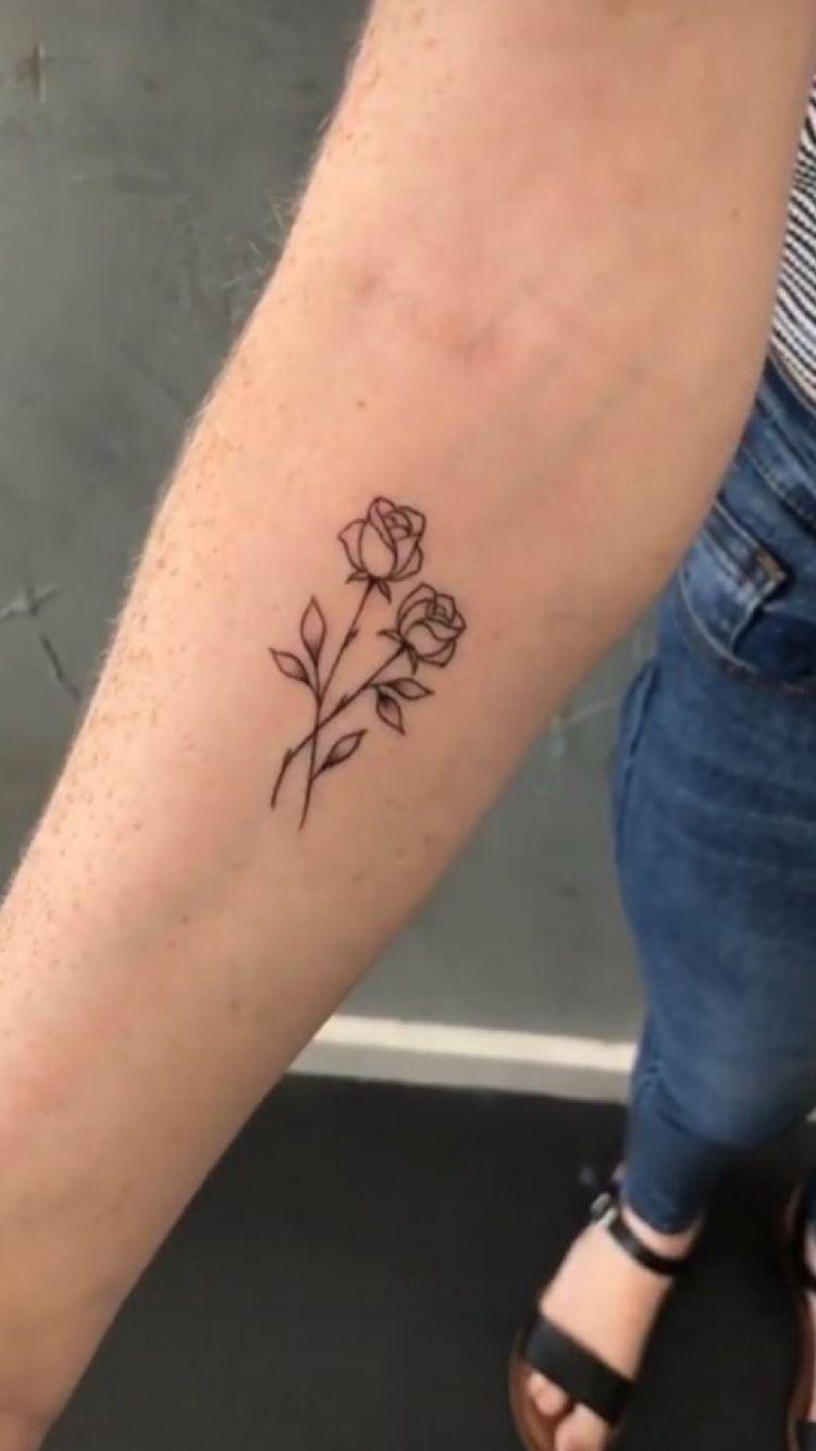 Simple Roses Tattooideassimple Tattoos Pinterest Tatouages