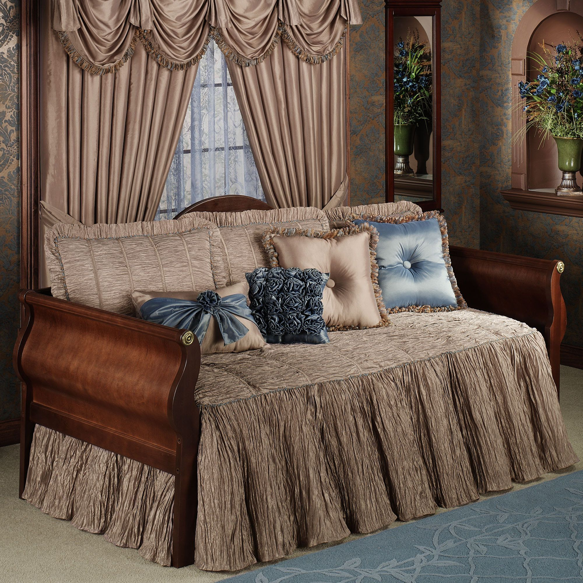 Royale daybed bedding daybed sets daybed and daybed bedding