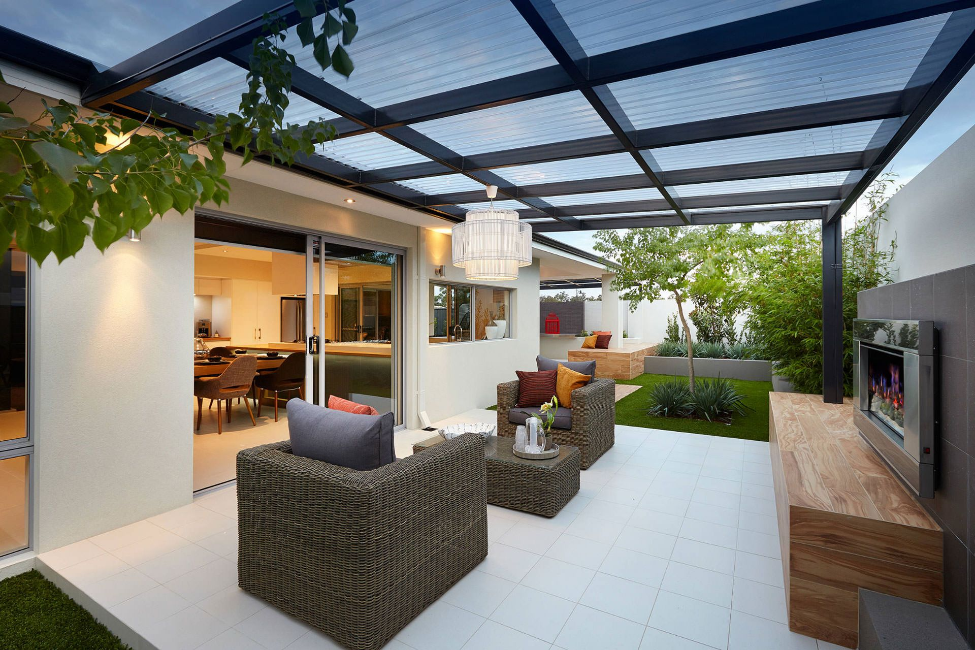 Patio Roof With Polycarbonate Panels