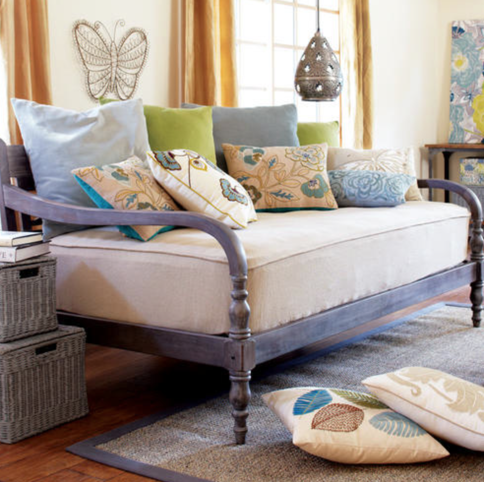 Daybed frame wooden - Daybeds That Look Like Couches It Speaks Of Lazy Summer Days Curled Up With Some