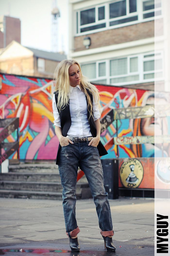 """One of my favourite style bloggers Sandra of 5 Inch and Up has an entire post dedicated to Diesel's new """"Fit Your Attitude"""" Collection"""". She has done a separate photoshoot with each one of the six new styles and..."""