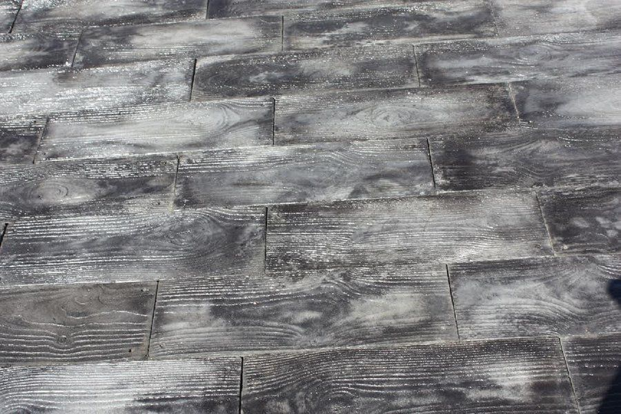 Barn Plank Patio on A Pallet Paver (Set of 60) | Pavers