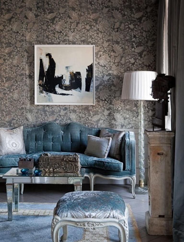 30 Elegant and Chic Living Rooms with Damask Wallpaper Living Room