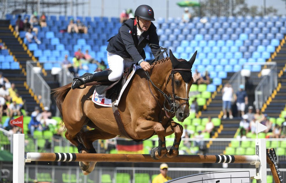 """""""Yeah, not the photo I'll be sending into Jumping Clinic."""""""