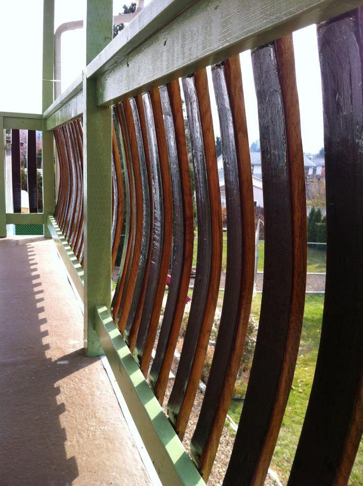 Wine Barrel Stave Deck Railing Meubles De Tonneau De Vin Deco Mezzanine Meubles En Tonneau