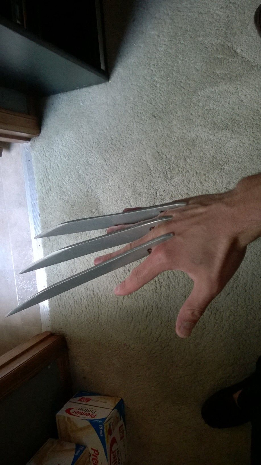 Diy fiberglass wolverine claws cosplay costumes and cosplay tutorial do it yourself wolverine claws solutioingenieria Images