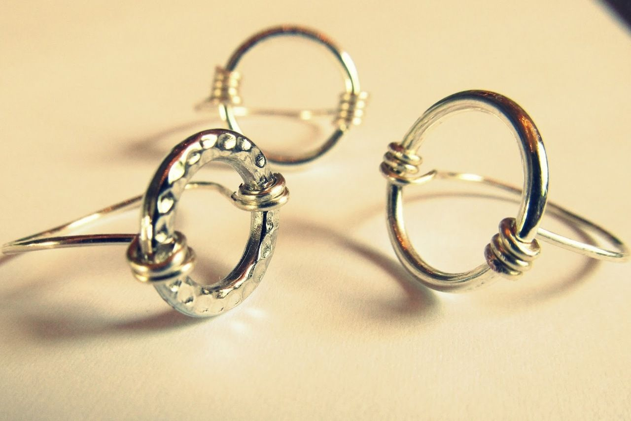 True Blue Me & You: DIYs for Creatives • DIY Wire Wrapped Circle ...