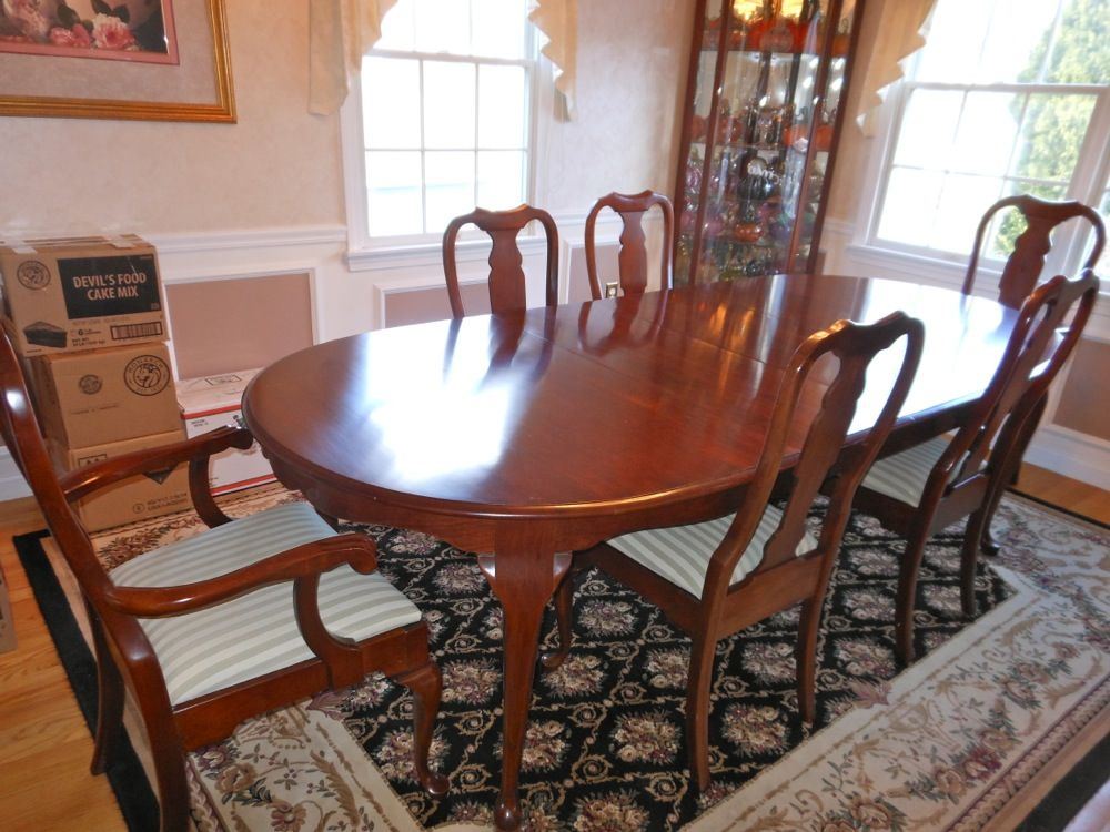 Queen Anne Style Dining Set By Pennsylvania House Waltham