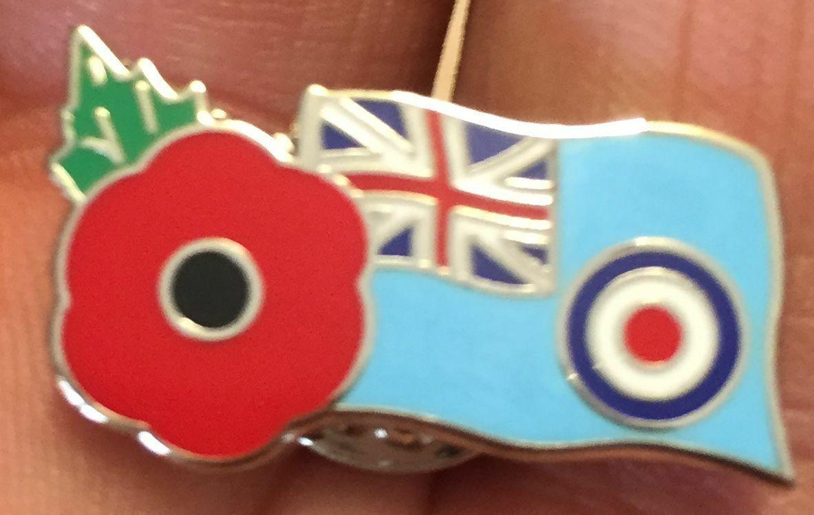 Soldier helmet,rifle,boot,dog-tag poppy badge poppy pin badge