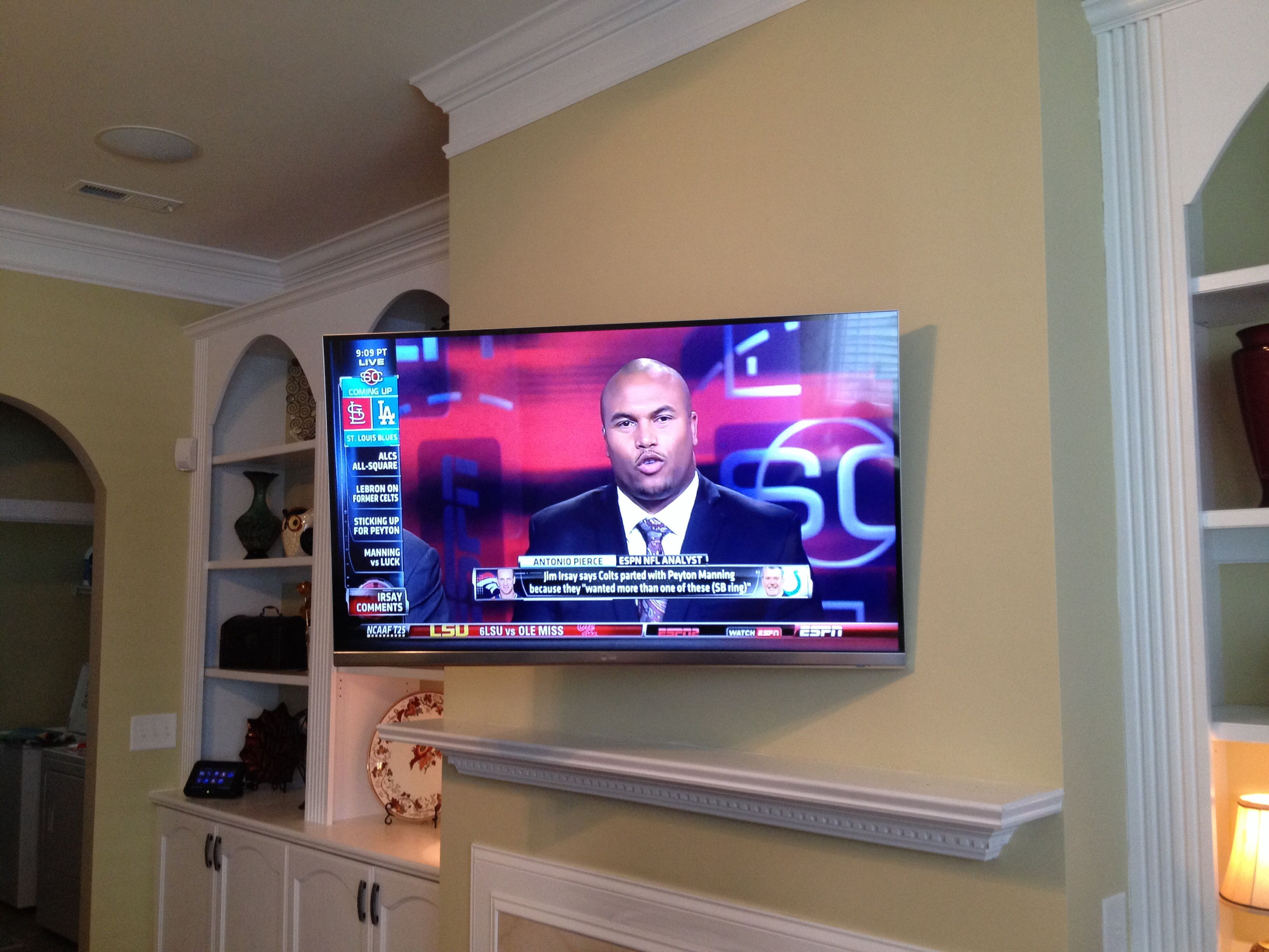 Full Motion Tv Mount Installation Over The Fireplace Tv Above Fireplace Http Tvoverthefireplace Com
