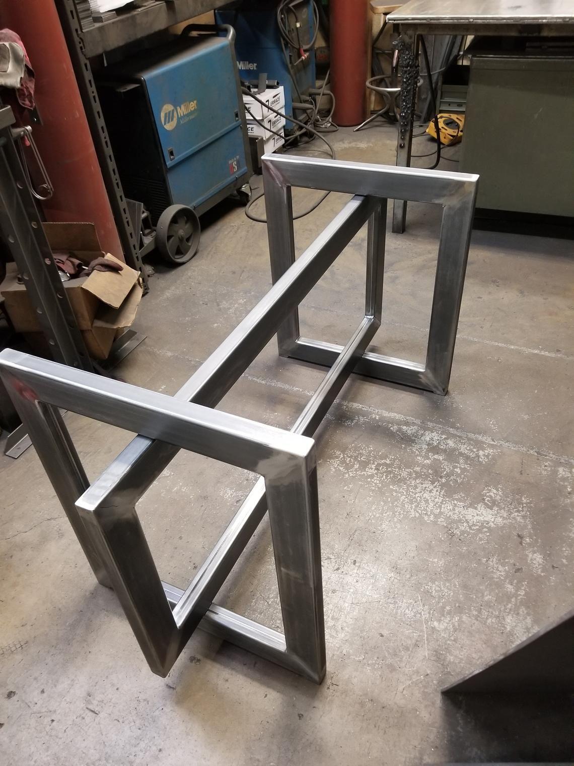 base de table pour plateau en verre