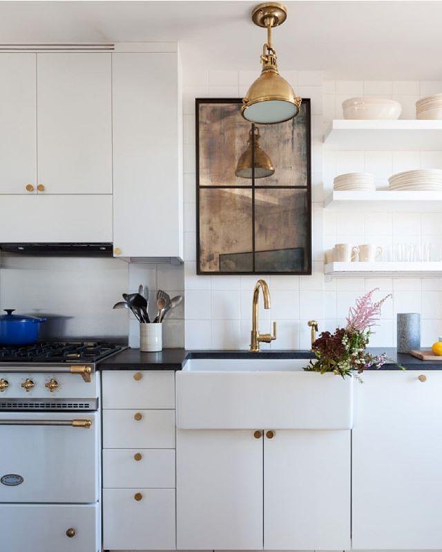 white + brass | kitchen loveliness | Pinterest | Cucine, Cucina e ...