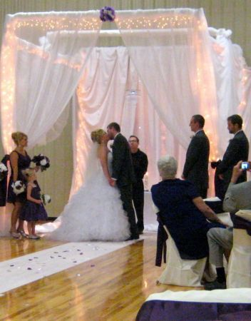Diy Pvc Pipe Arch Holly Thought I D Send This To You Know It Is A Perfect Wedding Project For Your Dad