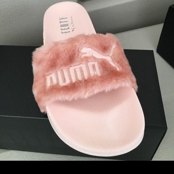 pink pumas slides