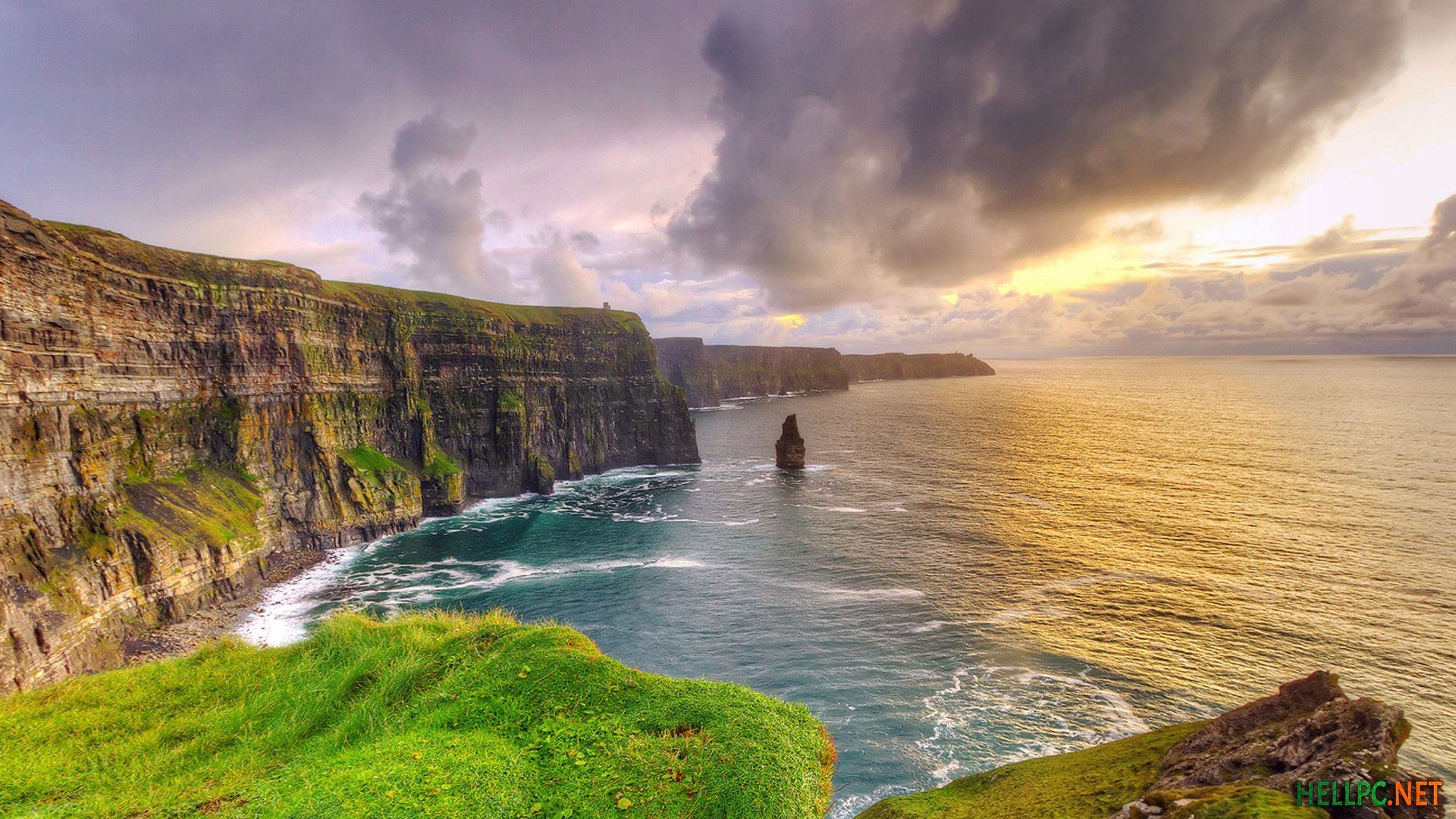 Download Best Windows Spotlight Lockscreen Wallpapers For Pc Hellpc Net Ireland Vacation Cliffs Of Moher Places To Go