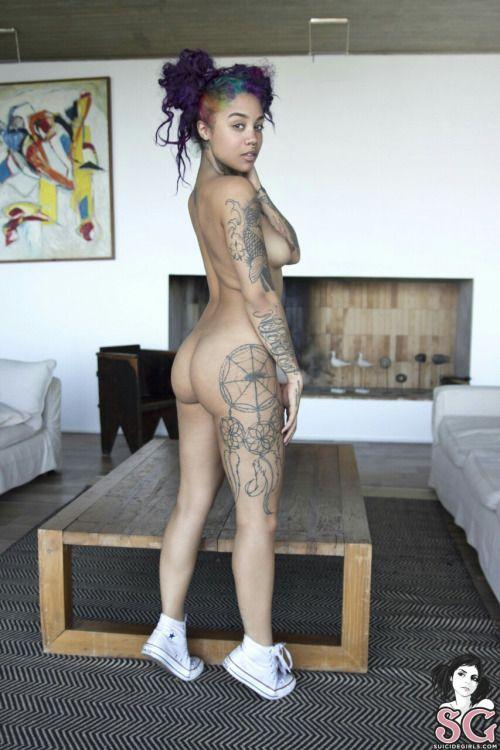 Naked goth girl ass pics