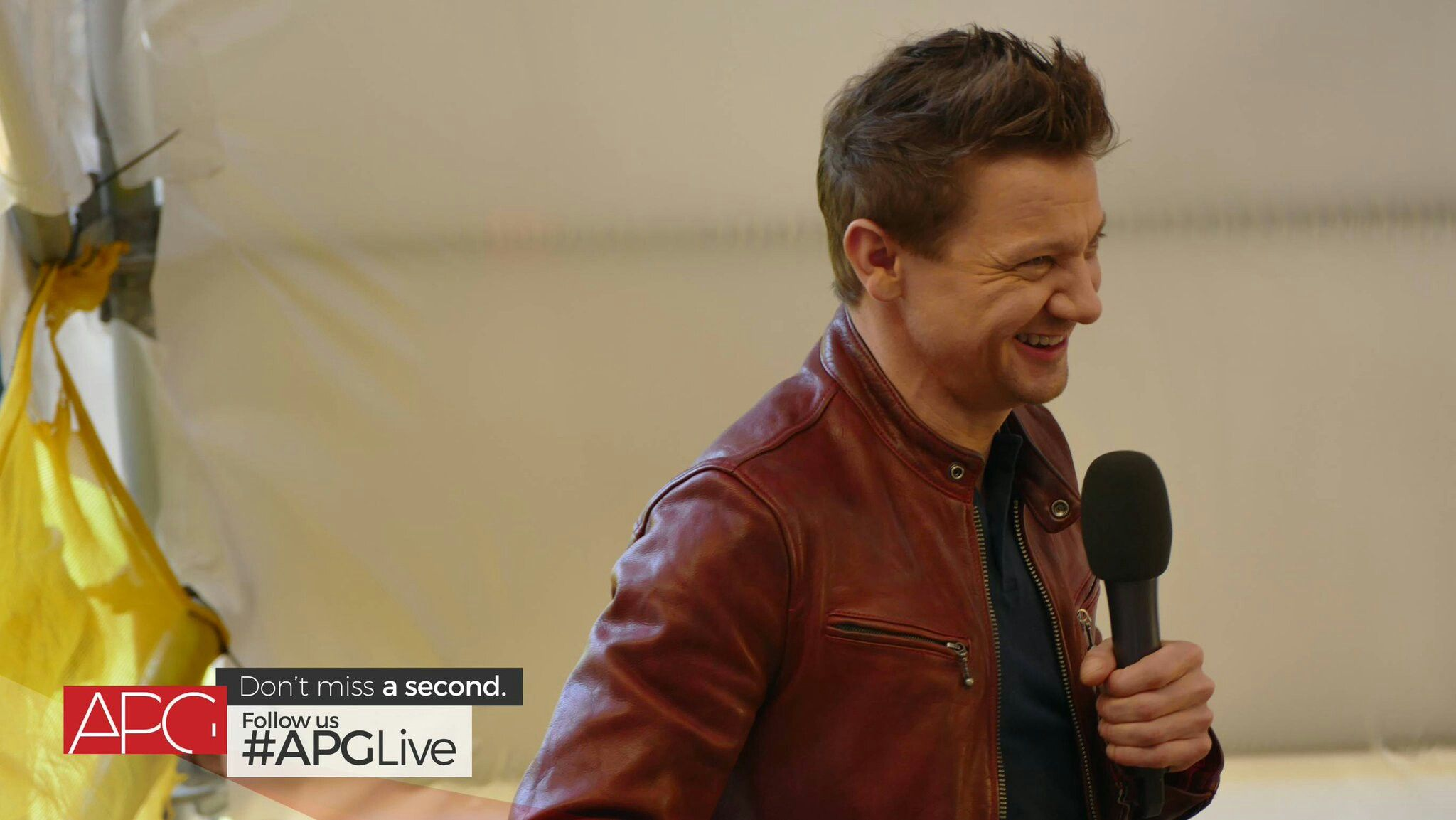 Jeremy Renner shuts down fan app after extreme trolling