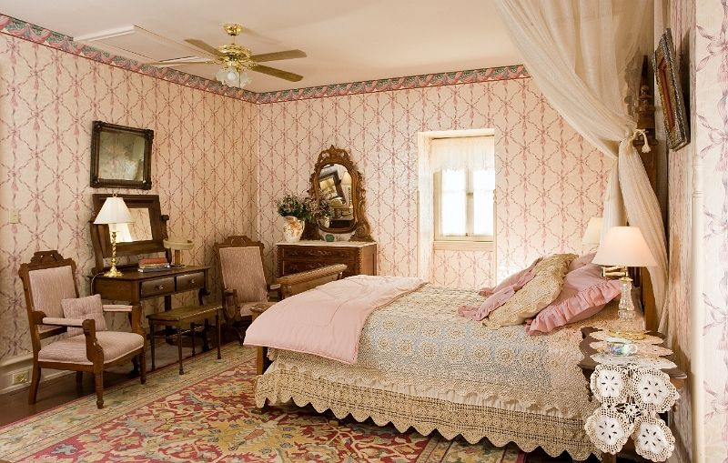 Pink bedroom Frm bd: Looks We Love - Pioneer Pink | Home Decor in ...