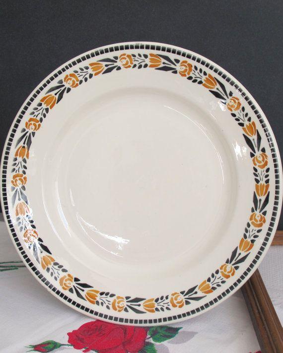 grand plat rond ou tr s grande assiette id al comme plat tarte pr sentoir g teaux. Black Bedroom Furniture Sets. Home Design Ideas