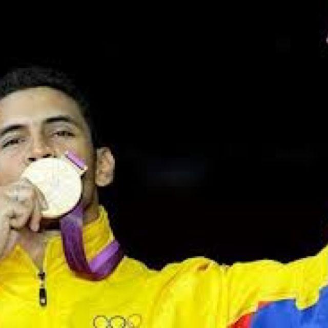 Rubén Limardo, histórico or olímpico para #Venezuela en esgrima! #london2012