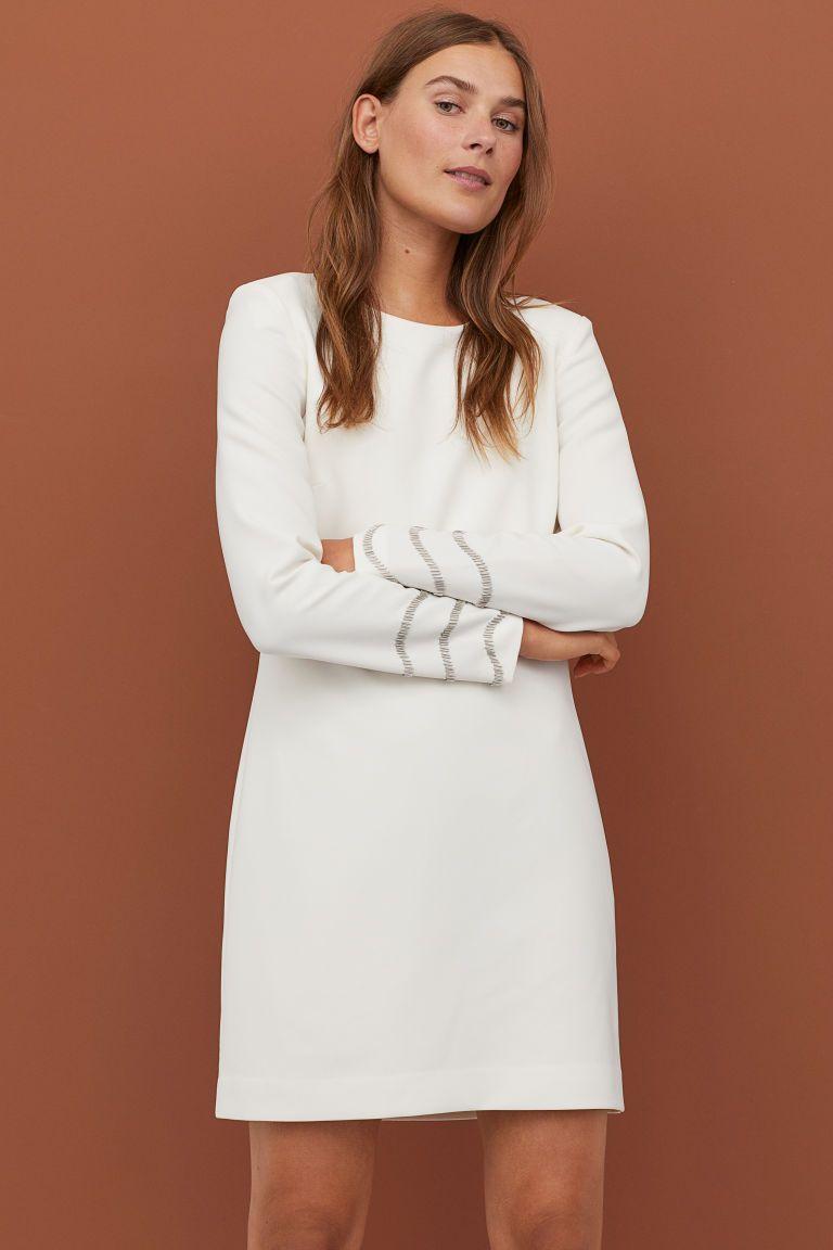 Kleid mit Perlen - Cremefarben - Ladies  H&M DE  Weiße kleider