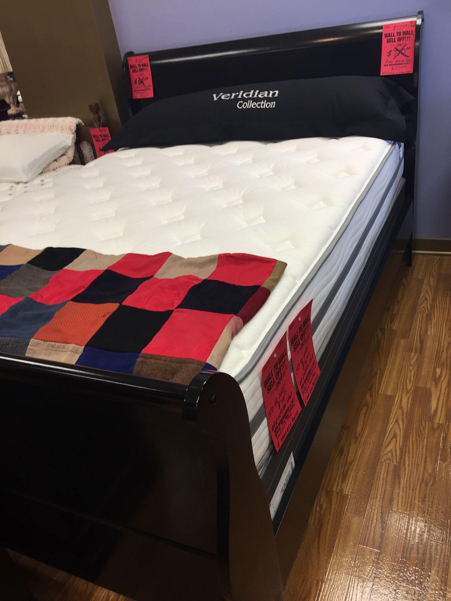 Pin By Carolinee Mc On House Furniture Layout Ideas Furniture Layout Bed Home Furniture