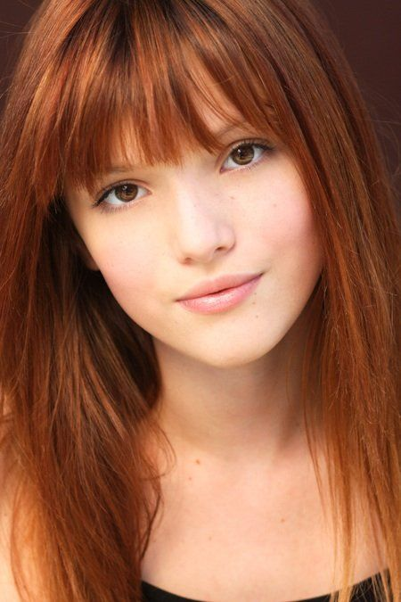 Color natural de cabello de bella thorne