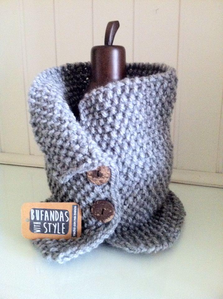 Cuello abierto con botones de Bufandas With Style | manualidades ...