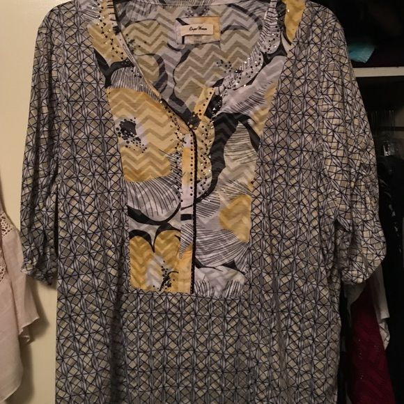 Gorgeous print blouse Grey, white with yellow accents & sparkles along neckline. New without tags. Size 24. Beautiful colors Tops Blouses