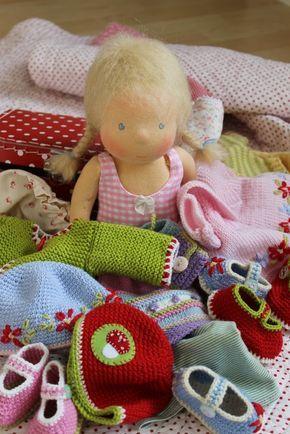 Puppenliesl: Kleiderberge   Waldorf doll   Knitted dolls ...