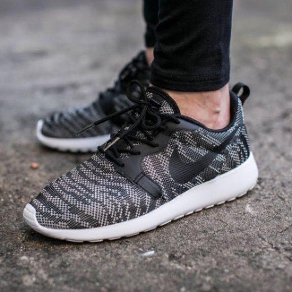 Nike - Roshe One Knit Jacquard Shoe NWT