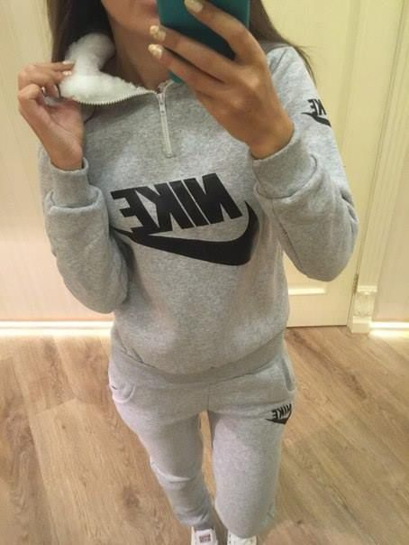 aec7529abaf6 Stylish tracksuit with fur in collar  tracksuit  fur  sweatsuit ...