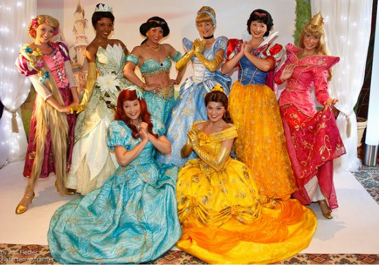 Great Halloween costumes for girl groups I would want to be Aurora - princess halloween costume ideas
