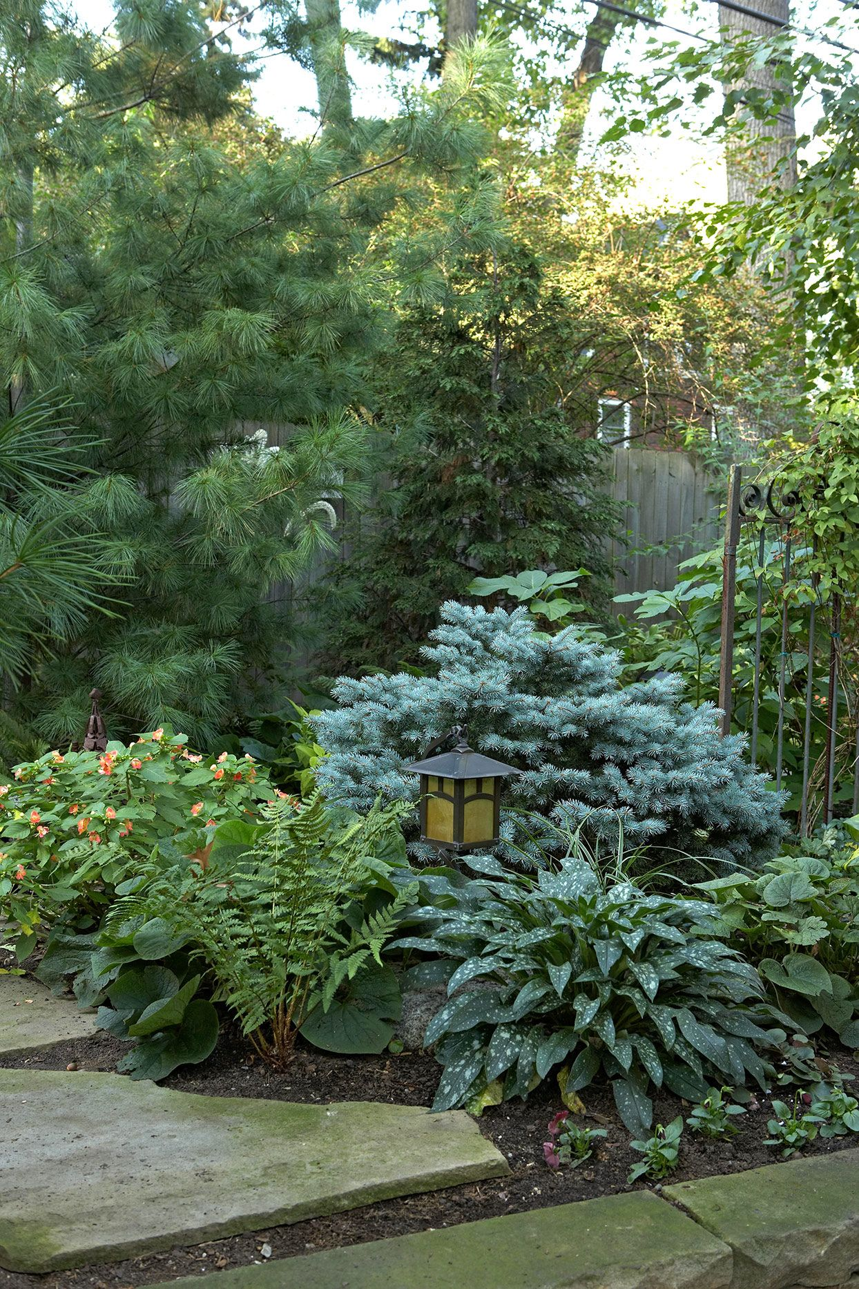 Easy, Eye-Catching Ways to Transform Your Front Yard Landscaping #modernfrontyard