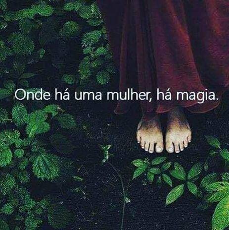 "Filha da Lua, Sim! on Instagram: ""Onde há mulher, há magia. . . #filhadalua #sacerdotisa #umbanda #deusa #magiablanca #magiaecia #magia #amor #tarot #magiapura #magic…"""