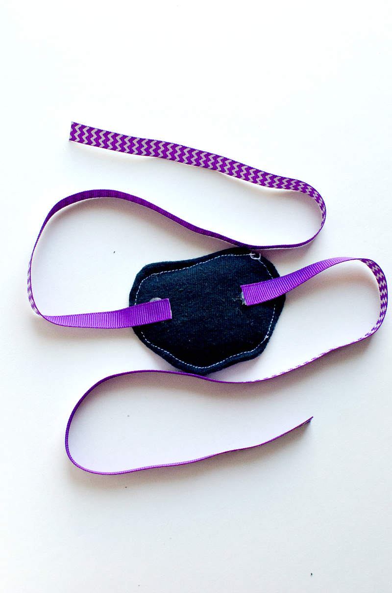 Diy Pirate Eye Patch Tutorial With Discover Momdot Pirate Eye Patches Pirate Crafts Eyepatch