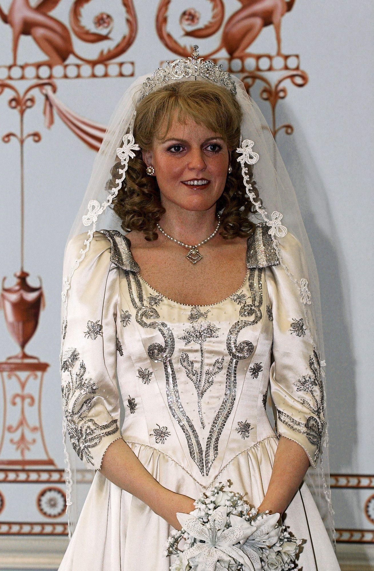 48++ Sarah ferguson wedding dress ideas