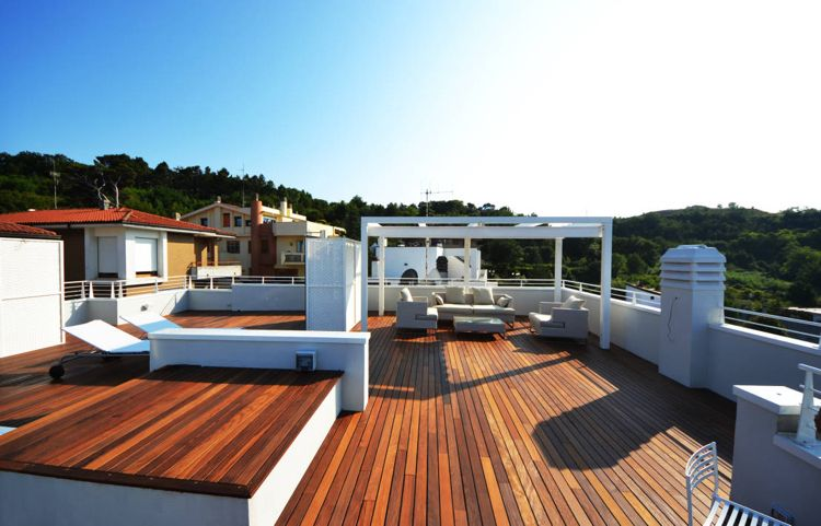 Pergola Dachterrasse terrasse reinigen terrassendielen dachterrasse weiss pergola modern