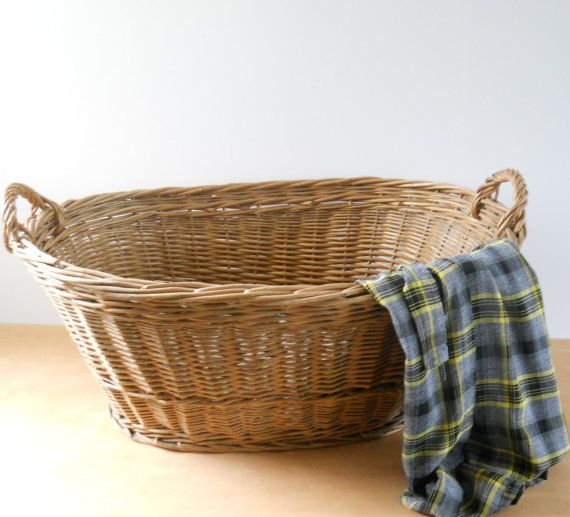Vintage Wicker Laundry Basket  Large Oval by lisabretrostyle2