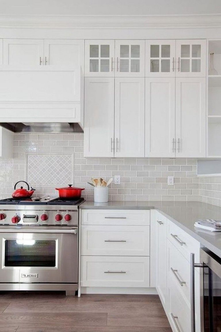 28 Amazing Kitchen Backsplash With White Cabinets Ideas