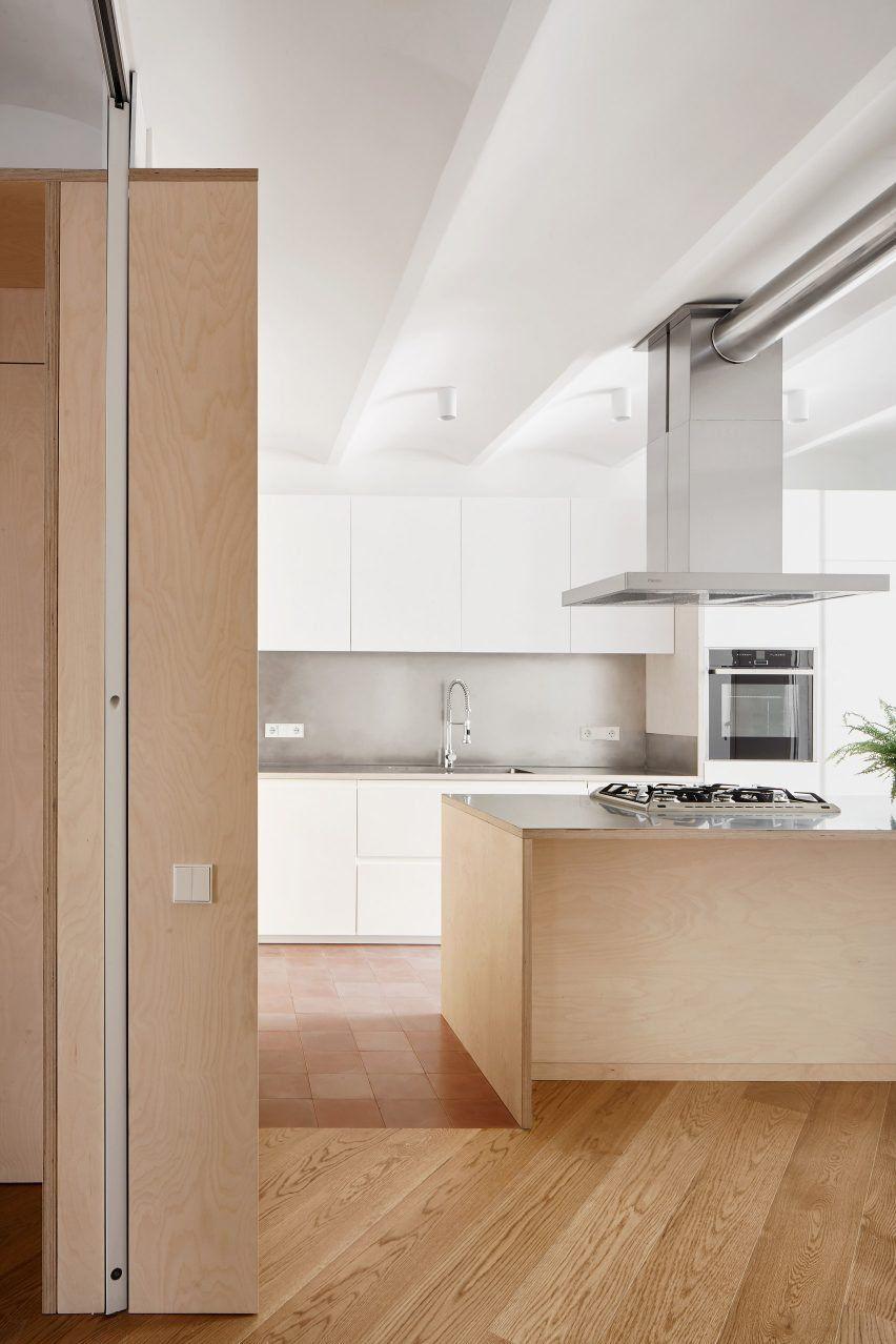 Bajet Giram Architects Reconfigures Barcelona Flat For Retired  # Muebles Katherine Tonala