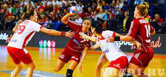 Szoros vereség - Női kézilabda-válogatottunk egy gólos vereséget szenvedett Lengyelország együttesétől.