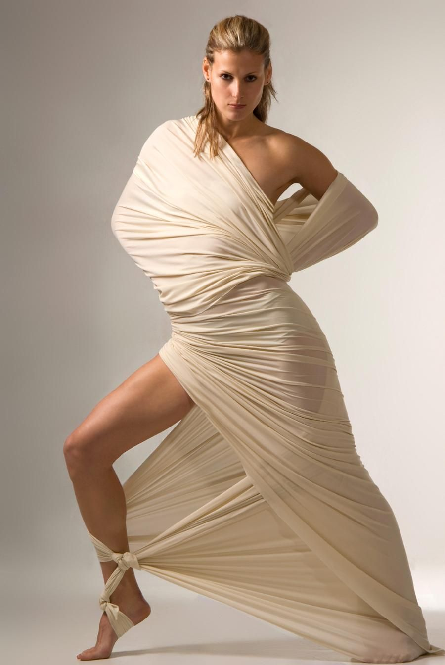 Toga costumes thatll make women look hotter than the sun toga toga costumes thatll make women look hotter than the sun roman costumesdiy solutioingenieria Images