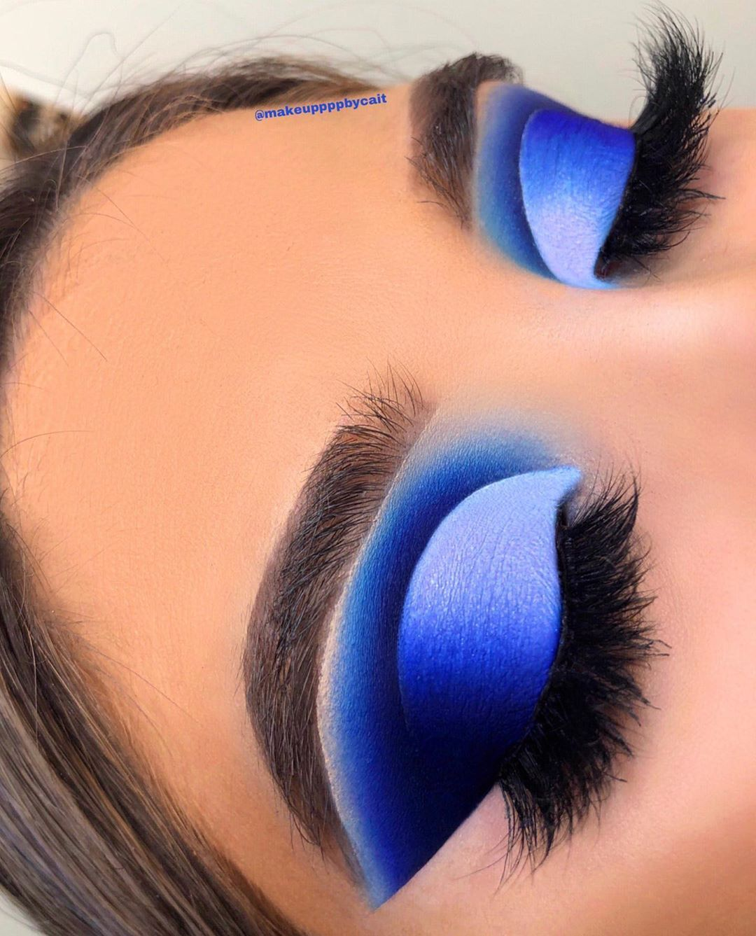 Blue Blood 💙 Hi beauties I'm back with this deep blue look