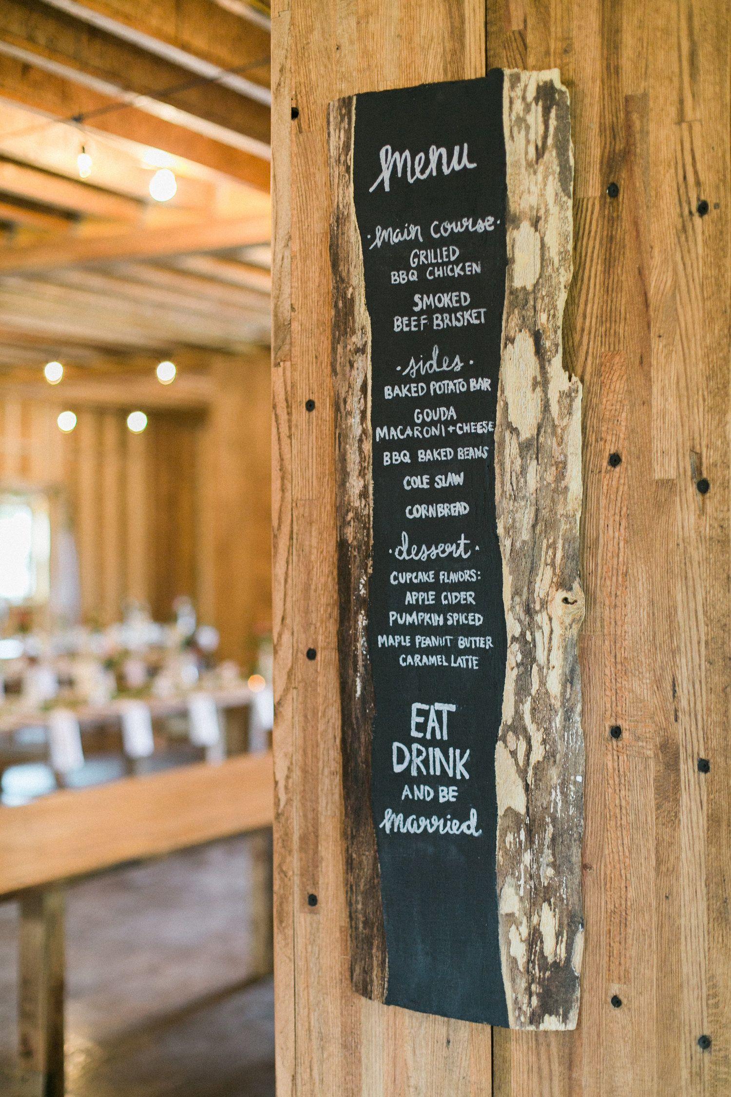 Woodland Rustic Wisconsin Wedding | Photo by Laurelyn Savannah Photography