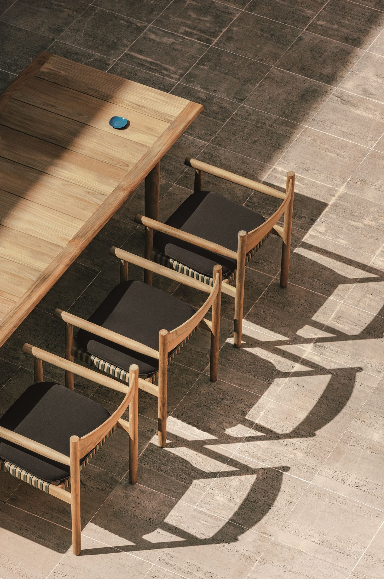 DEDON Tibbo dining table and chairs | DEDON | Pinterest