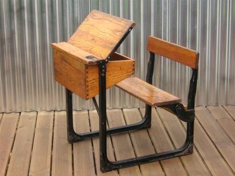 Imatges trobades pel Google de http://www.hotfrog.co.uk/companies/Bubbledrum_6204923/images/0000620/Bubbledrum-Vintage-Industrial-Furniture-Lighting-Accessories_71465_image.JPG