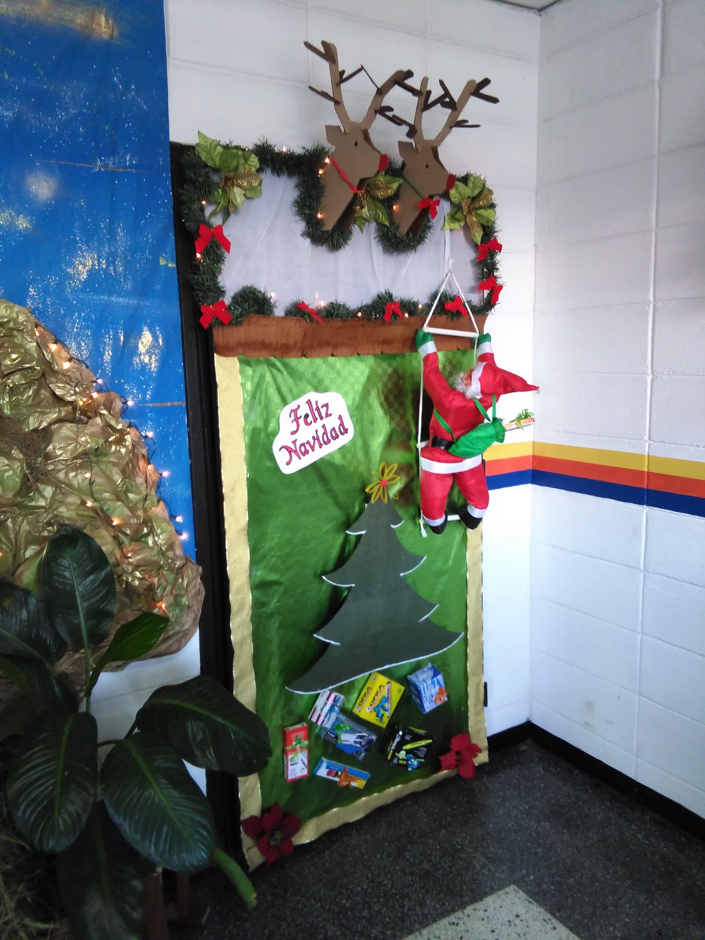 Puerta decorada para navidad navidad pinterest - Puertas de madera decoradas ...