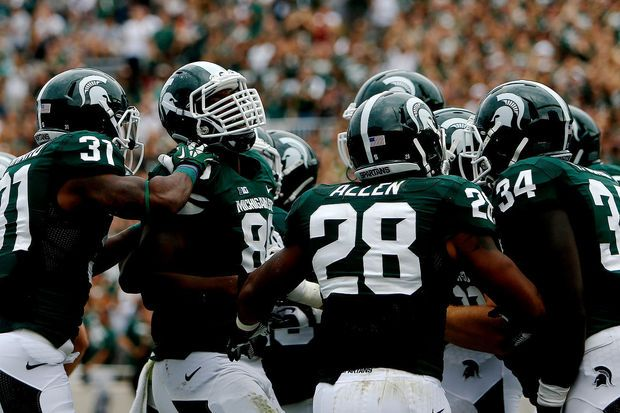 Michigan State Defense Scores 2 Touchdowns Again Leads 21 6 Win Over South Florida Michigan State Spartans Football Michigan State Msu Spartans Football