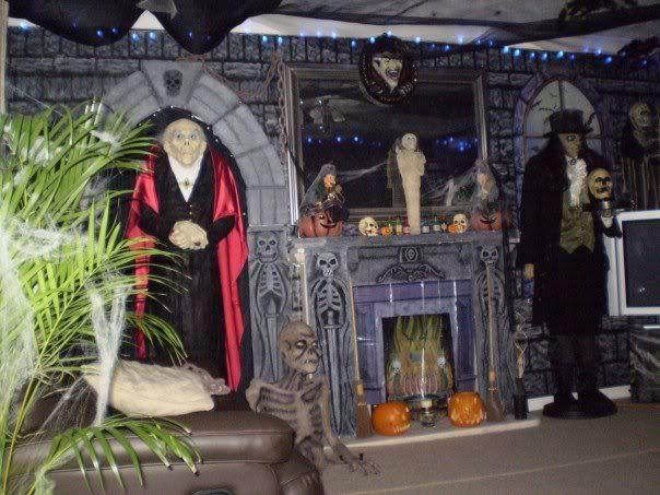 Cardbord halloween props prop showcase polystyrene foam for Decoration jardin halloween